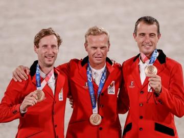 L'équipe belge médaillée (© FEI)